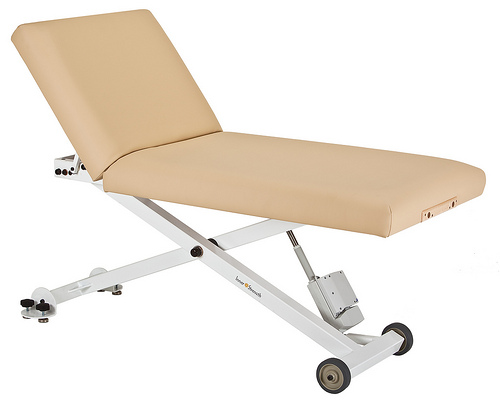 Earthlite Essentia Lift elektrische massagetafel
